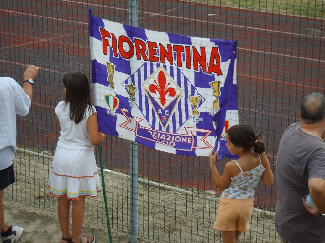 Giovani tifose della Fiorentina