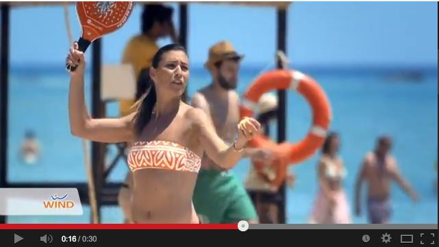 Video spot wind con flavia pennetta testimonial porta un - Vodafone porta un amico ...