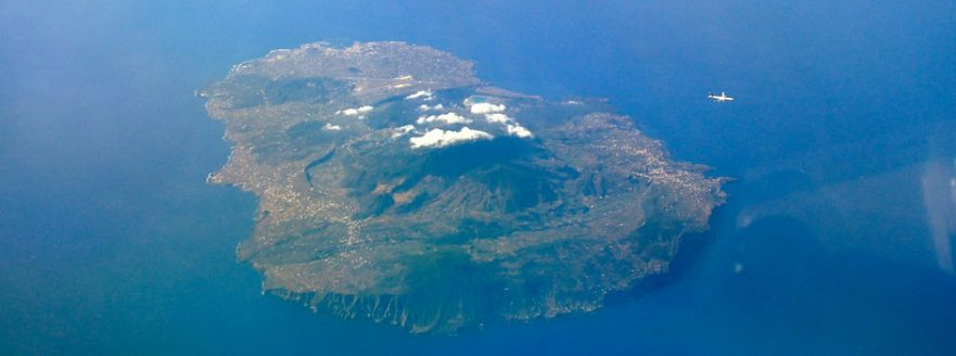 pantelleria_from_fl340_traffic_a340_emirates
