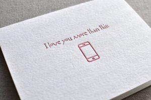 I love you more than my smartphone (iPhone): buon San Valentino da Mondo3!