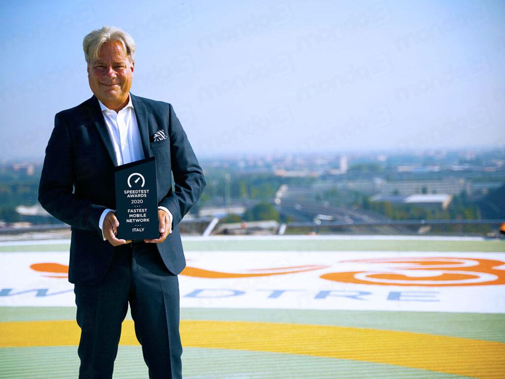 Jeffrey Hedberg (WINDTRE) con il Premio Ookla Speedtest